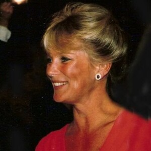 Linda Evans Net Worth