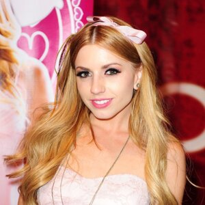Lexi Belle Net Worth
