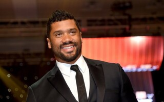 Seattle Seahawks Sign Russell Wilson To A Massive 4-Year $87.6 Million Revolutionary Deal