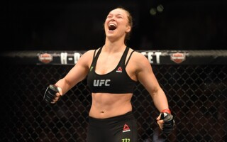 Does Ronda Rousey Really Make More Than Floyd Mayweather Per Second?