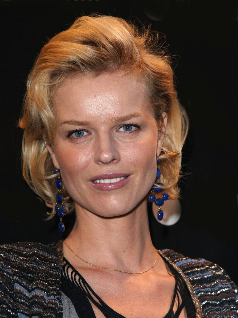 How much money does Eva Herzigova have?